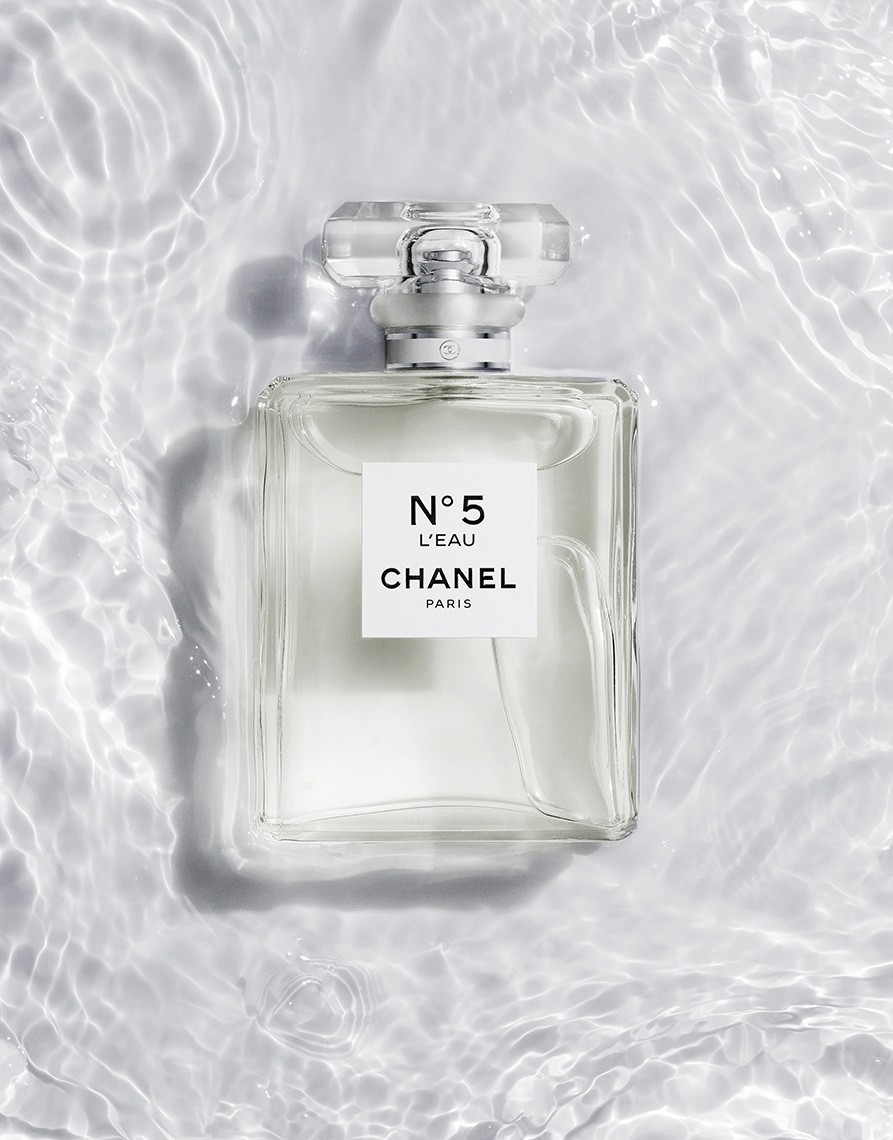 17_030_still_life_photographer_magnus_cramer_cosmetics_texture_beauty_chanel_fragrance