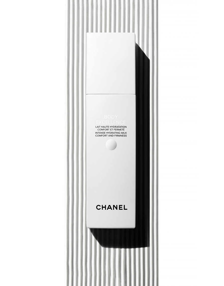 17_033_still_life_photographer_magnus_cramer_cosmetics_texture_beauty_chanel_skin_care_
